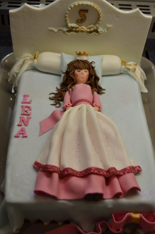 princesse-dans-son-lit-002--copier-
